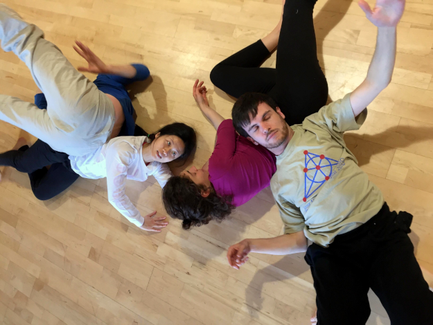 Enjoy dancing contact improvisation with us
