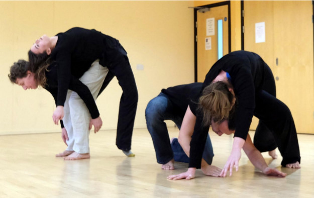 Dance contact improvisation to Piano